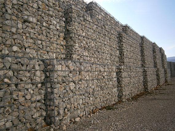 Gaviones rellenos de piedra pedrastore for Gaviones de piedra